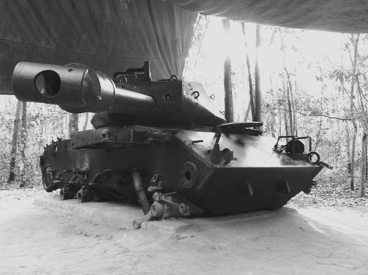 Americký tank zničený minou